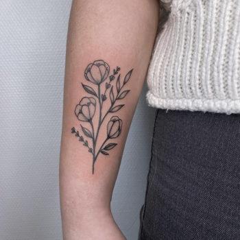 tatouage minimaliste bras